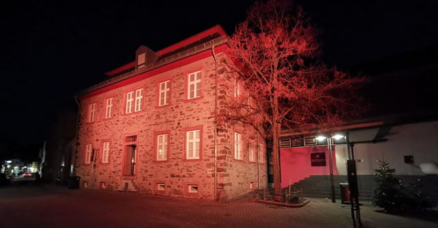 20201215 rot Museum